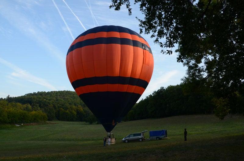 prêt pour le décollage de la montgolfière